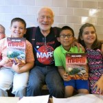 Buzz Aldrin discusses 'Mission to Mars' with Long Island kids